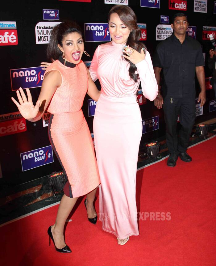 Priyanka's antics gives Sonakshi the chills! (Photo: Varinder Chawla)