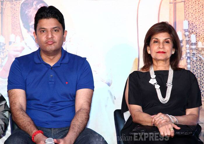 Bhushan Kumar poses with his mother at the promotion of the film. (Photo: Varinder Chawla)