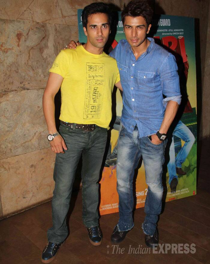O Teri co-actors - Pulkit Samrat and Bilal Amrohi. <br /><br /> Salman Khan has been promoting the movie at road shows across India for Bilal, who is the grandson of late filmmaker Kamal Amrohi. (Photo: Varinder Chawla)