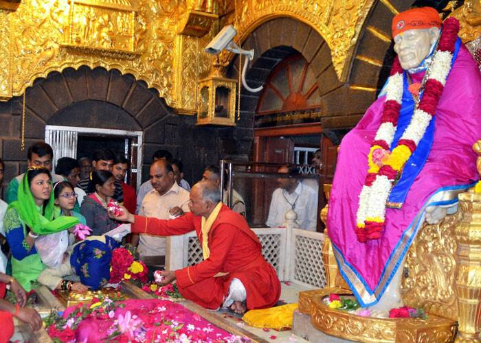 A day after deciding to contest elections independently, Rakhi Sawant offered prayers at the Sai temple in Shirdi. The former item girl turned actress had said she is going to contest the Lok Sabha election from the Mumbai North-West constituency and wants to restore women's safety in the metro city. (PTI)