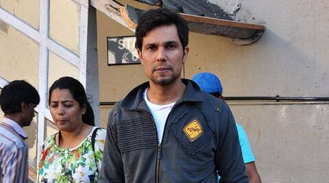 Randeep Hoods plays a kidnapper in 'Highway'.