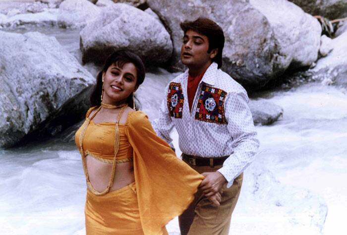 Rani's first onscreen appearance was at the age of 14, when she played a supporting role in her father's Bengali film 'Biyer Phool' (1992). In 1994, she received an offer to play the lead role in Salim Khan's 'Aa Gale Lag Jaa'. However she turned it down as her father did not approve of her getting into films at such a young age.
