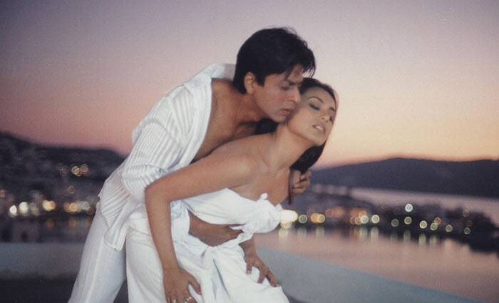 The following year, Rani played the lead role in 'Chalte Chalte', which was initially to be played by Aishwarya Rai Bachchan. The film, which also starred Shah Rukh Khan, dealt with the misunderstanding between a married couple. The film did well at the Box Office and was a hit abroad.
