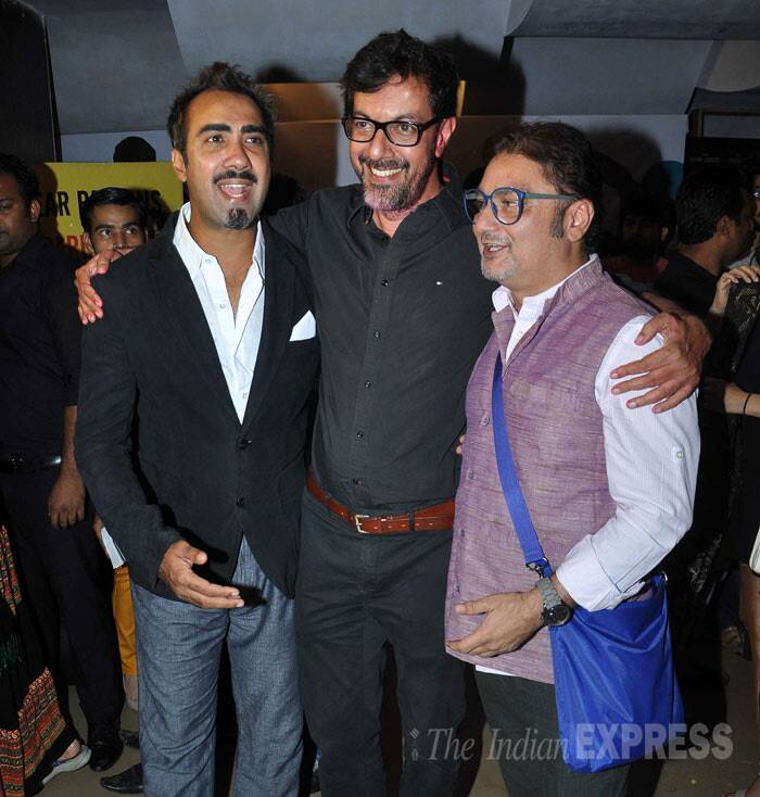Rajat Kapoor, who has directed and acted in 'Aankhon Dekhi', was all smiles as he posed for a group picture along with Ranvirr Shorey and Vinay Pathak. (Photo: Varinder Chawla)