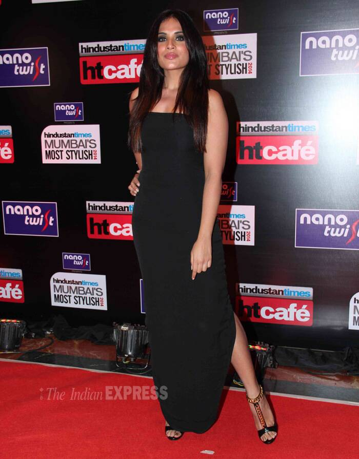 'Ram-Leela' actress Richa Chaddha looked sexy in her off shoulder black dress. (Photo: Varinder Chawla)