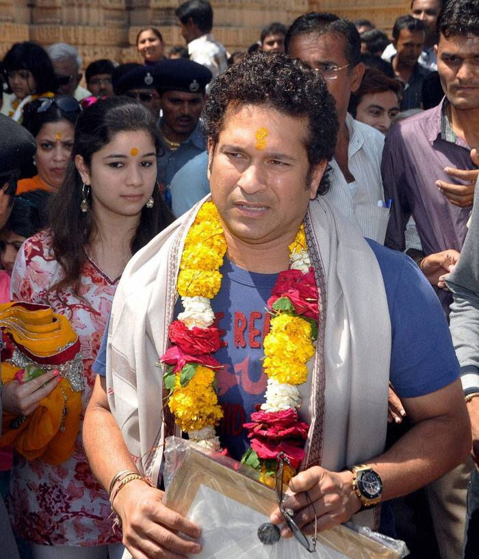 Sachin Tendulkar goes lion spotting with wife Anjali, daughter Sara and son Arjun