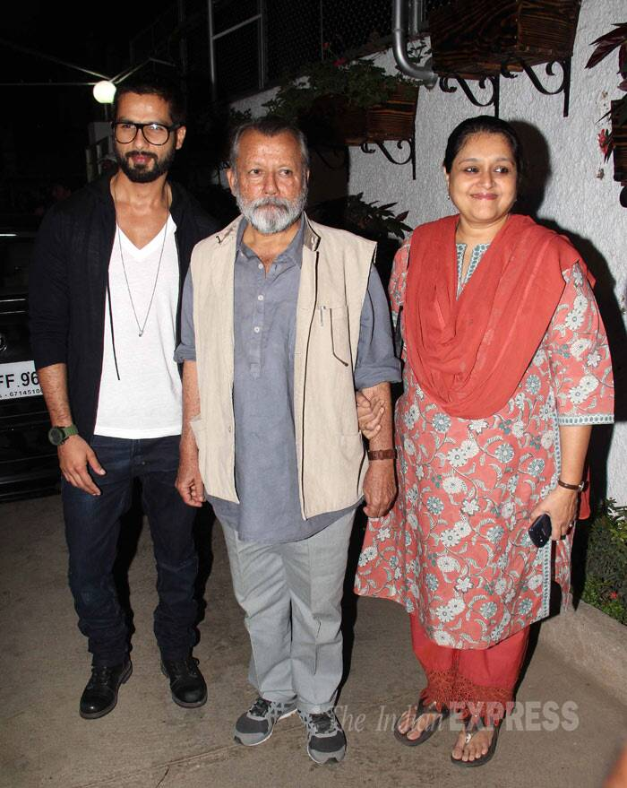Bollywood heartthrob Shahid Kapoor, who went bald for his upcoming film 'Haider',  attended the screening of Santosh Sivan's bilingual film - Inam (in Tamil and Ceylon in English) with his family - director-actor father Pankaj Kapur and step mother Supriya Pathak in Mumbai on Wednesday (March 26) (Photo: Varinder Chawla)