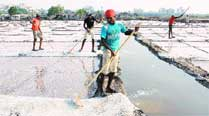 At Kharaghoda, lends ears to salt pan workers