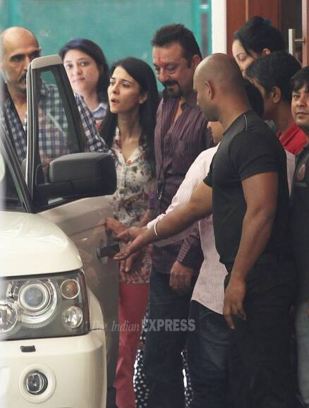 Sanjay Dutt's twins Iqra, Shahraan say goodbye dad as he leaves for Yerwada jail
