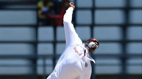 The ICC has barred West Indies off-spinner Shane Shillingford from bowling the 'doosra'.  (AFP)