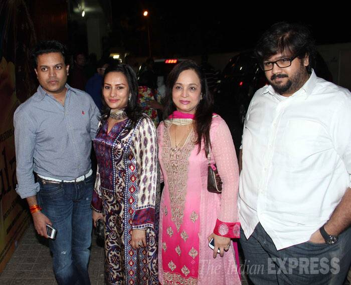 Smita Thackeray with her son Rahul with Riteish Deshmukh's elder brother Amit Vilasrao Deshmukh and wife Aditi. (Photo: Varinder Chawla)