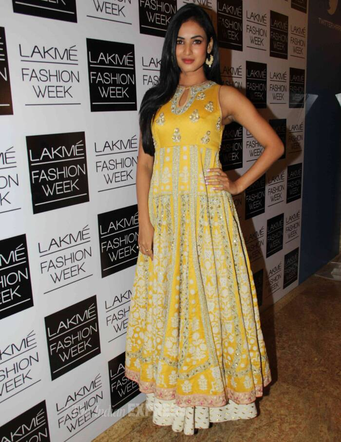 Actress Sonal Chauhan was pretty in a yellow white floor length anarkali. (Photo: Varinder Chawla)