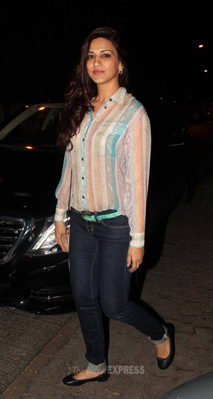 In another part of the city, actress Sonali Bendre was enjoying her Friday night out with husband Goldie Behl. (Photo: Varinder Chawla)