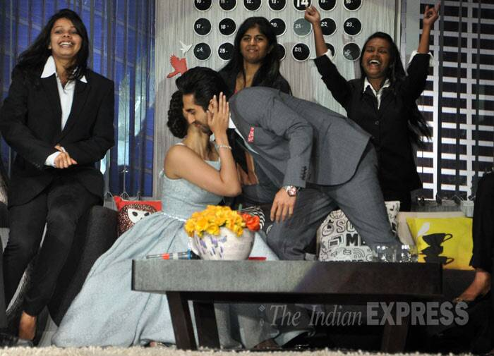 Sonam gives Ayushmann a peck…The chemistry between the two sure looks promising! (Photo: Varinder Chawla)