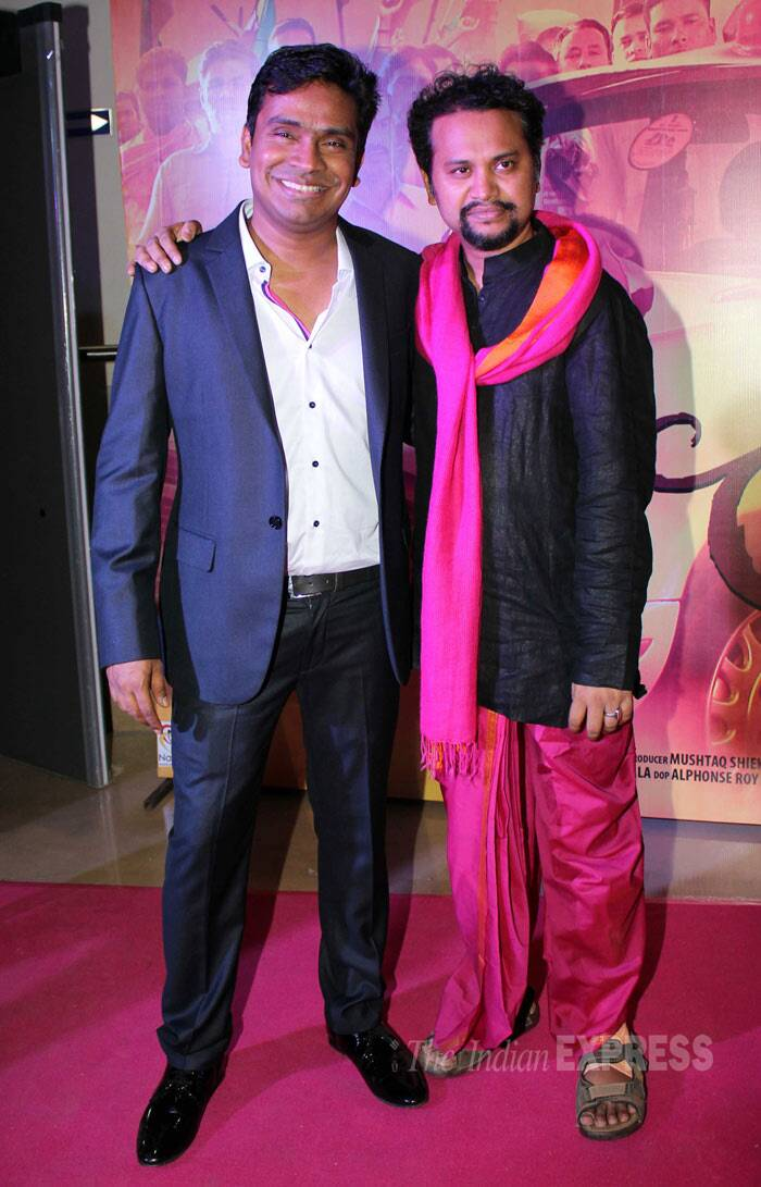 Director of 'Gulaab Gang' Soumik Sen supported the ladies as he too wore pink while he posed for the cameras along with Mushtaq Shaikh. (Photo: Varinder Chawla)
