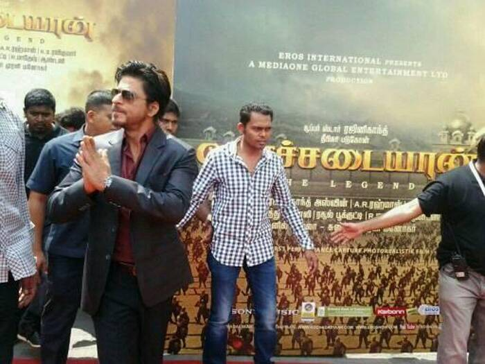 "King Khan arrives for the music launch. SRK tweeted, ""Kochadaiiyaan time. Always a pleasure to meet Rajni Sir and his family. Onward to Chennai."" (Photo: Twitter)"