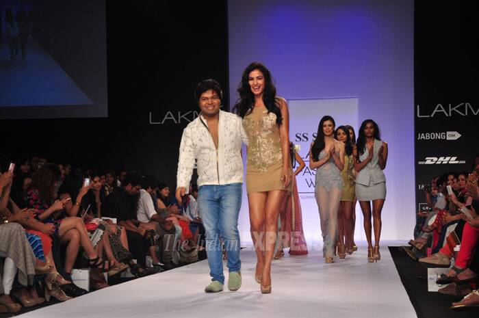 Actress Sonal Chauhan also show stopped for designer SS Surya. (Photo: Varinder Chawla)