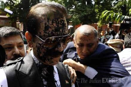 Sahara chief Subrata Roy faces ink attack