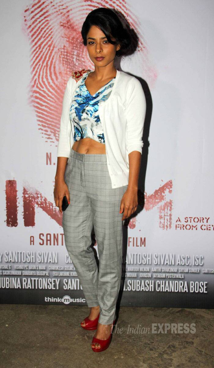 Actress and singer Sugandha Garg, who is a part of 'Inam', showed off her toned tummy in a cropped top with a jacket and high waist pants. (Photo: Varinder Chawla)