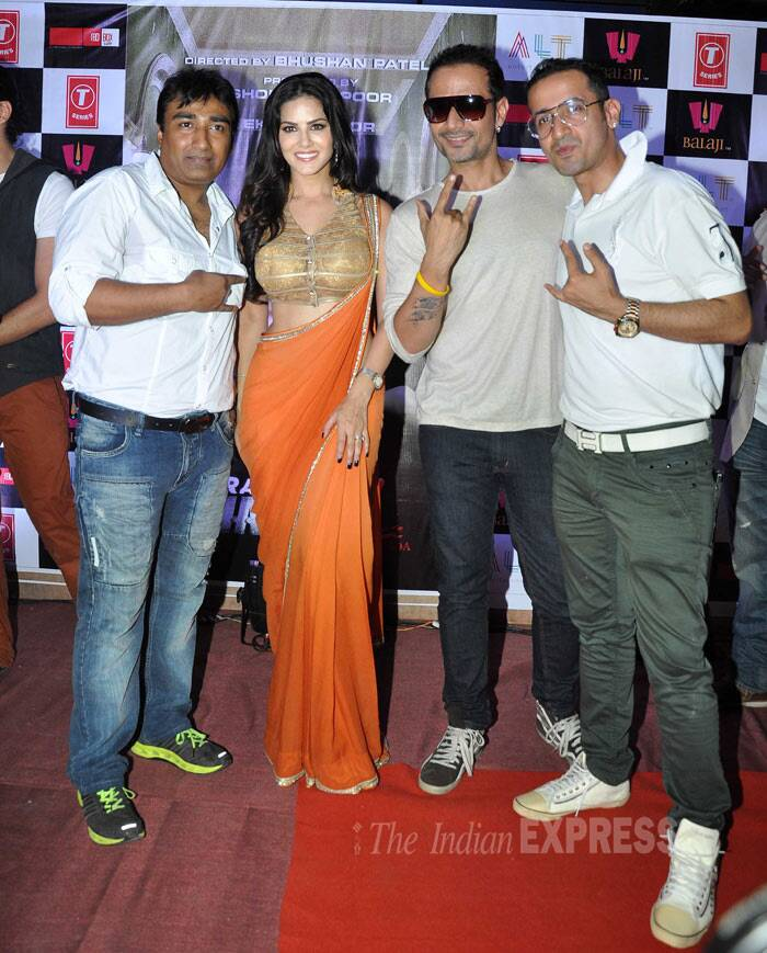 Sunny Leone poses for a picture along with the musical trio – Meet Brothers who are behind the hit song 'Baby Doll'. (Photo: Varinder Chawla)
