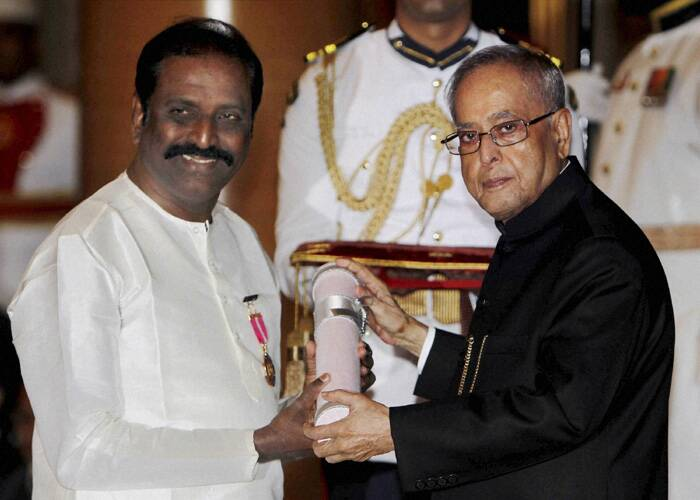 President Pranab Mukherjee presents Padma Bhushan award to Tamil poet and lyricist, Vairamuthu. (PTI)