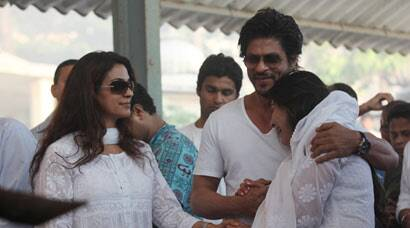 PHOTOS: Shah Rukh Khan at funeral of Juhi Chawla's brother