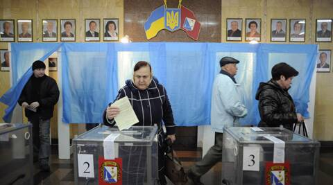 Voters can choose to become part of Russia or retain more autonomy but stay in Ukraine -- a vote for the status quo is not an option. (AP)