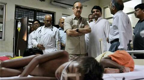 Health Minister Ghulam Nabi Azad during a visit to the encephalitis ward of a hospital in Gorakhpur in Uttar Pradesh. PTI File photo