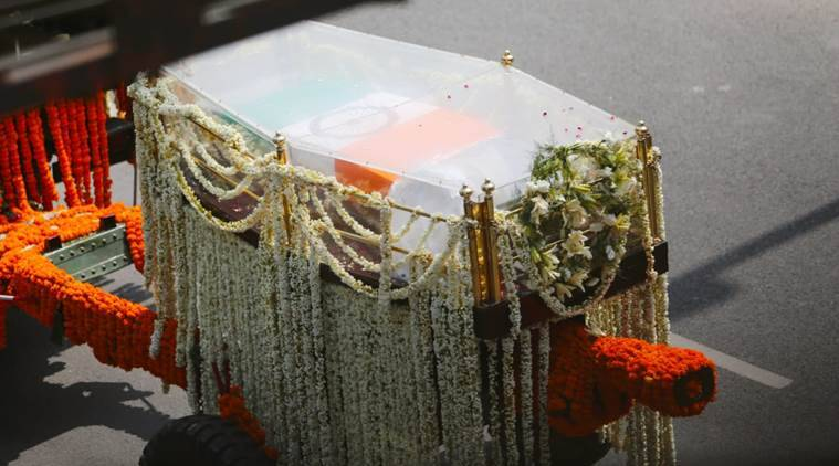 Atal bihari Vajpayee, atal bihari vajpayee funeral, atal bihari vajpayee final journey, funeral procession, atal bihari vajpayee obituary, vajpayee last rites, vajpayee funeral ceremony, smriti sthal, rashtriya smriti sthal, atal bihari vajpayee life