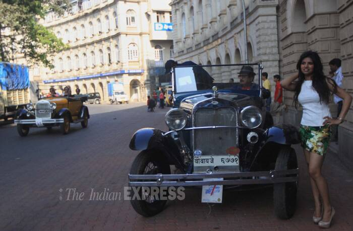 Photos With Class And Style Vintage Beauties Set Mumbai Roads On