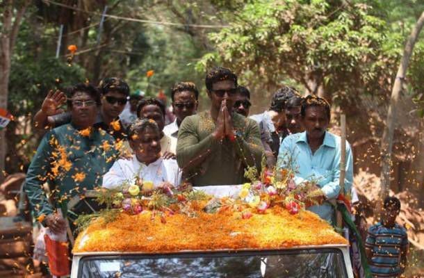 Tollywood actor Deb campaigns for TMC