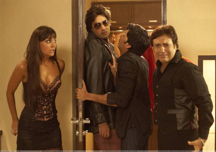 Post 'Blue' Lara Dutta appeared in David Dhavan's comedy, 'Do Knot Disturb', that also starred Govinda, Sushmita Sen and Riteish Deshmukh. But though the film received positive reviews, it had a very poor opening and was termed a flop.