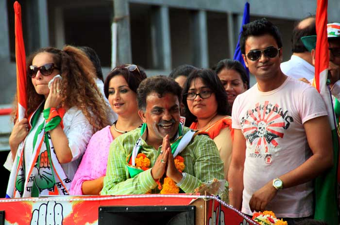 Actress Divya Dutta joined Sanjay Nirupam in an election campaign rally at Borivili  (Express Photo by Amit Chakravarty)