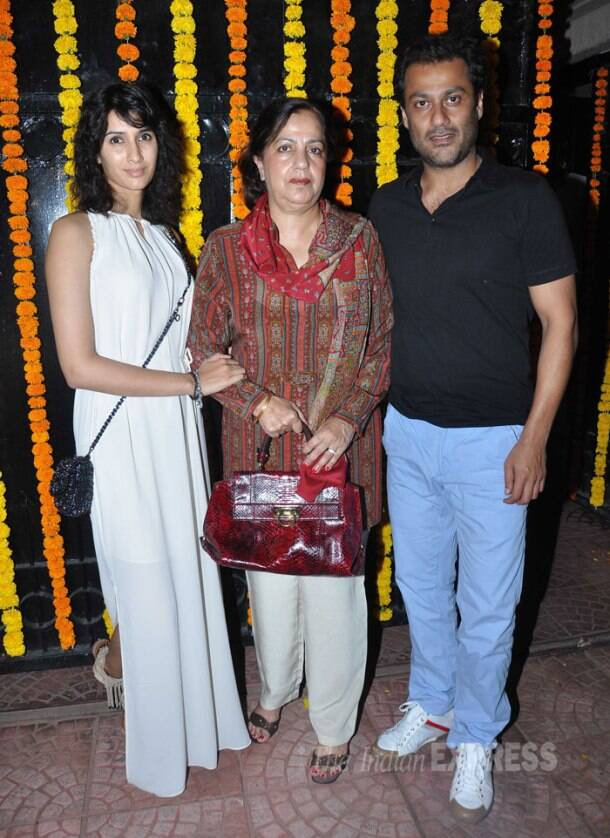 Jeetendra's birthday dinner with his sister and daughter Ekta Kapoor