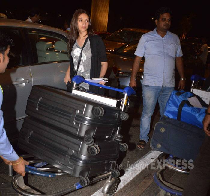 Aditi Rao Hydari, who was last seen in 'Murder 3' appeared barefaced at the airport. (Photo: Varinder Chawla)