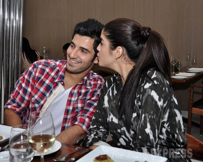 Aditya gets a special peck from Izabelle. (Photo: Varinder Chawla)