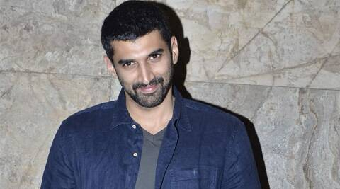 Aditya Roy Kapur will be sporting two distinct looks for 'Dawat-e-Ishq' and 'Fitoor'.