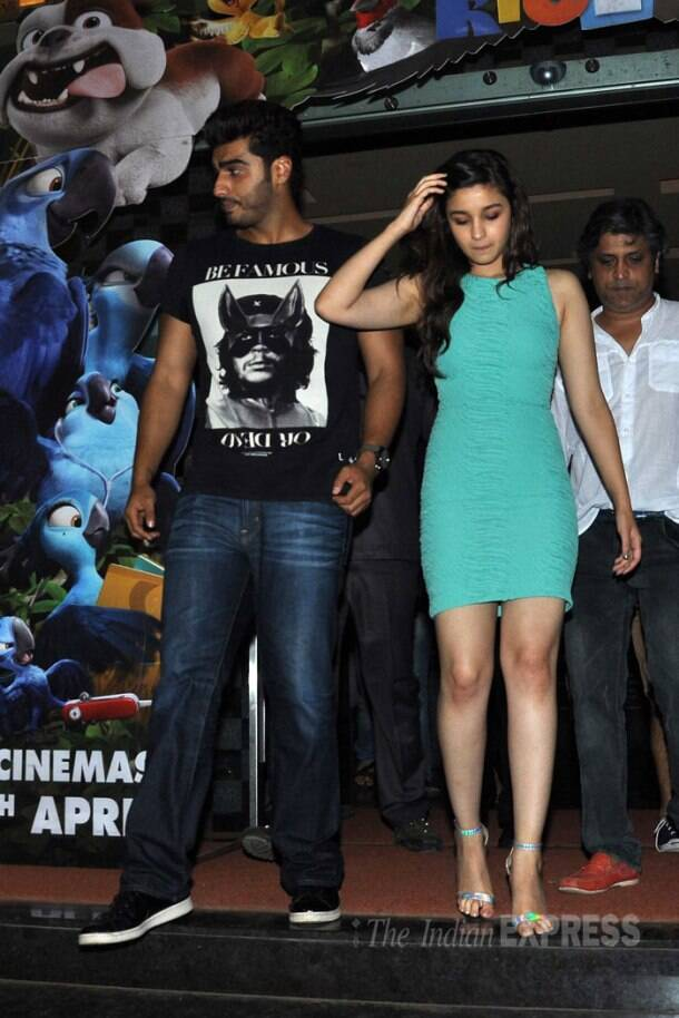 Arjun Kapoor, Alia Bhatt visit movie hall, meet fans