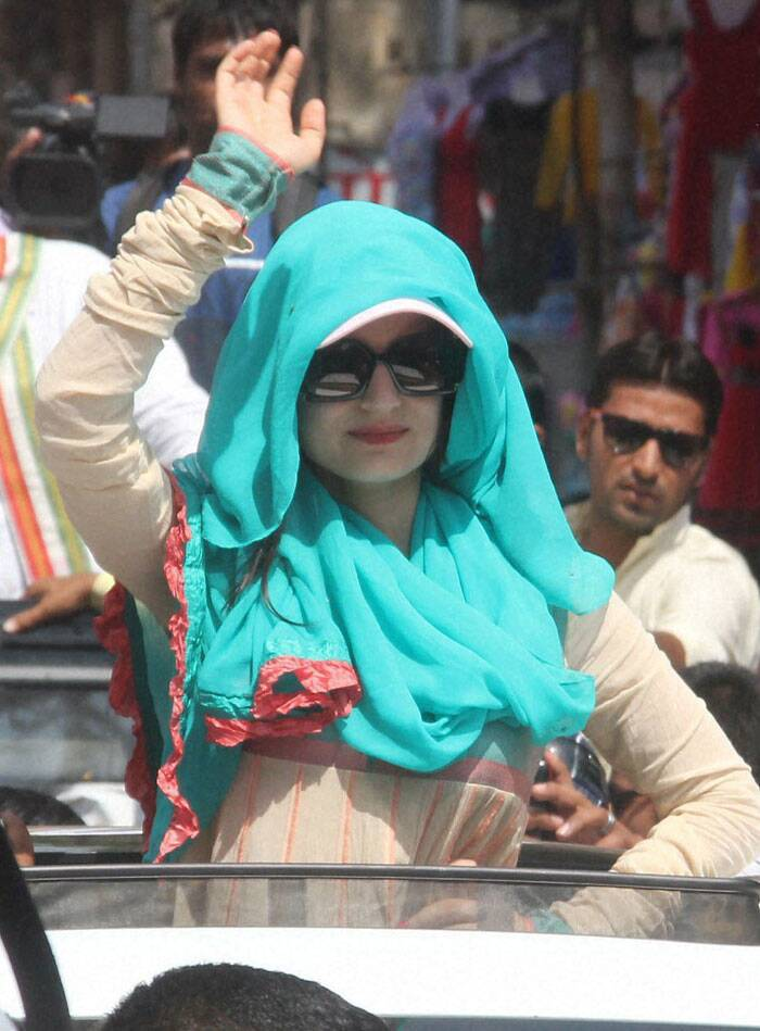 Bollywood actress Ameesha Patel during election campaign in favour of Congress candidate Satyanaran Patel from Indore on Thursday. (PTI)