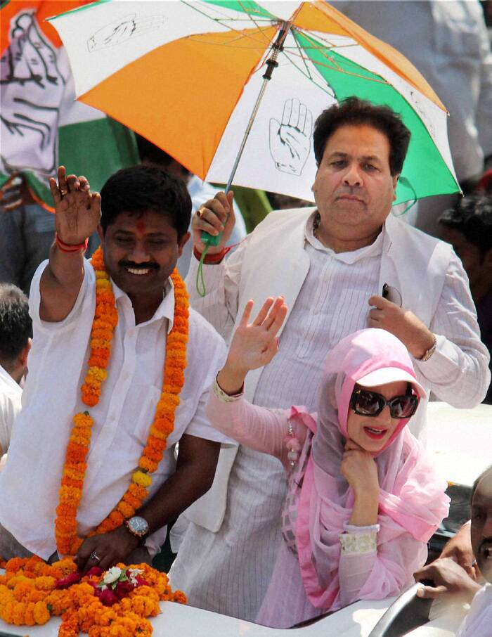 Bollywood actress Ameesha Patel during an election roadshow for Congress candidate Nand Gopal Gupta in Allahabad. (PTI)