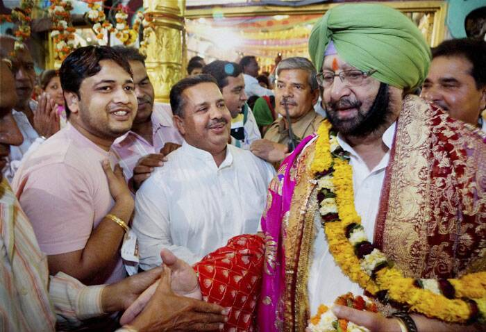 Congress Candidate from Amritsar Capt. Amarinder Singh during his visit to a Mandir on the occasion of Rama Navami in Amritsar on Tuesday. (PTI)