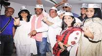 On penultimate day, Jaaved's star shower onLucknow