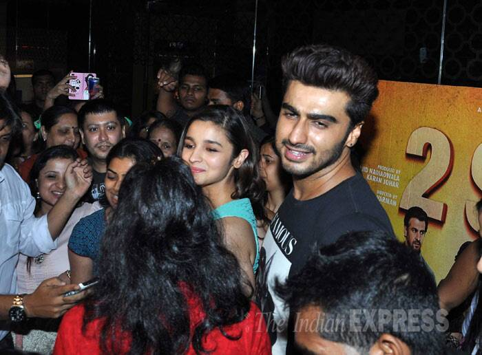 Alia Bhatt and Arjun Kapoor, who are rumoured to be real-life couple, were seen interacting with fans.  (Photo: Varinder Chawla)