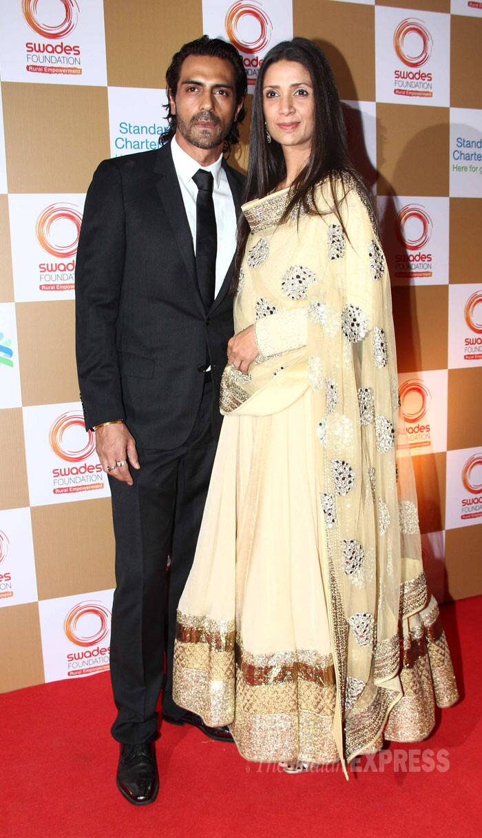 Also seen at the fundraiser event were her close friends and hot couple - Arjun Rampal and his wife Mehr. Arjun was suave in a suit and tie, while wife Mehr was stunning in a beige and gold anarkali. (Photo: Varinder Chawla)