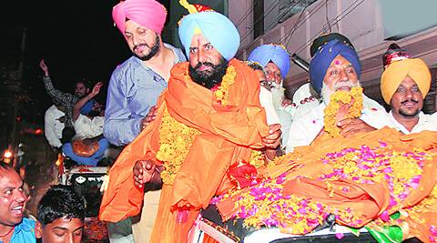 Independent candidate Simarjit Bains during a road show in Ludhiana on Sunday. (Gurmeet Singh)