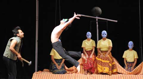 A scene from the play Bandhalelyachi Manoghat