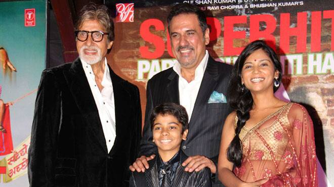 Amitabh Bachchan's solo hit @ 71: Celebrates its success