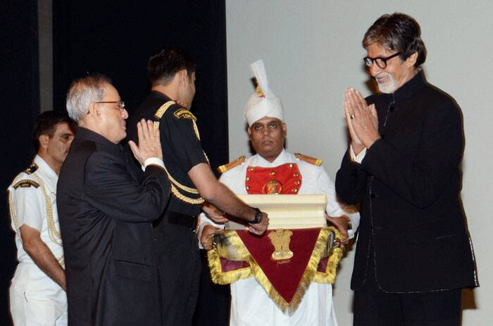 Big B screens 'Bhoothnath Returns' for President Pranab Mukherjee