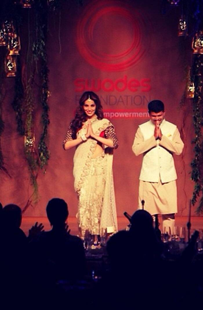 Bengali beauty Bipasha looks gorgeous on stage. (Photo: Instagram)