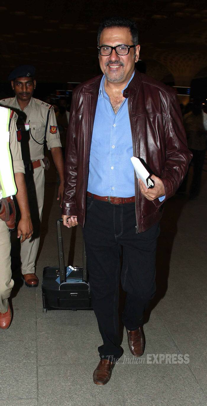 Actor Boman Irani, who will be seen in Farah Khan's 'Happy New Year',  looks happy to travel light. (Photo: Varinder Chawla)